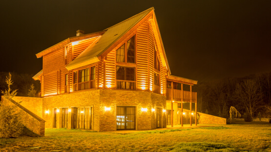 Светильники для подсветки фасада превью